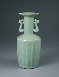 青磁鳳耳花瓶 昭和19年<br /> 茨城県陶芸美術館
